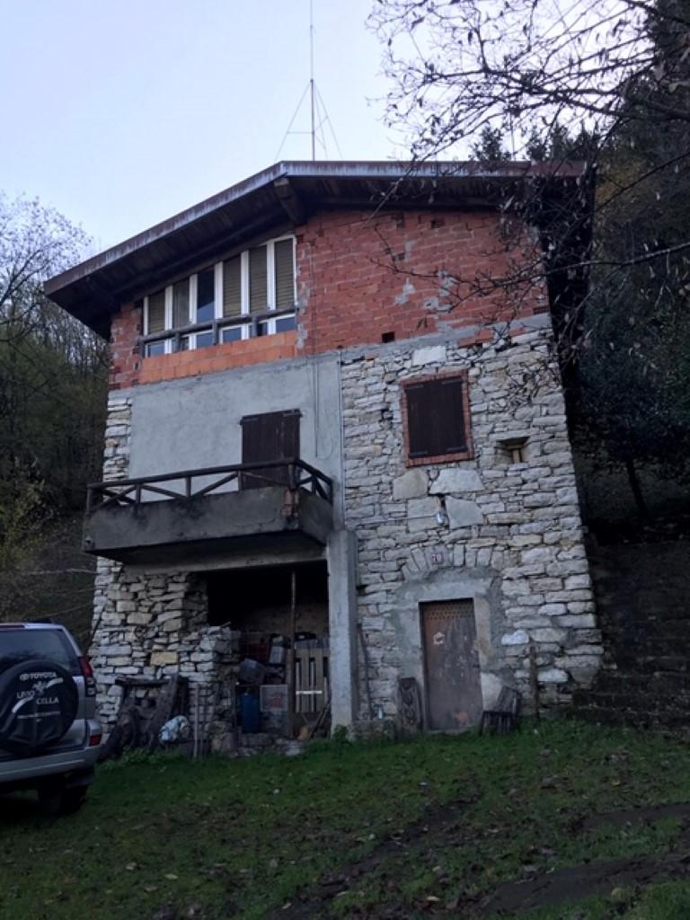 RUSTICO CON TERRENO - Abitare Immobiliare